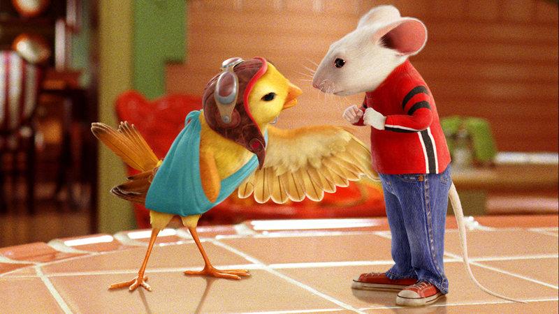 Als Mäuserich Stuart Little eines Tages Vogeldame Margalo rettet, darf die sogleich bei den Littles einziehen.. – Bild: RTL Zwei