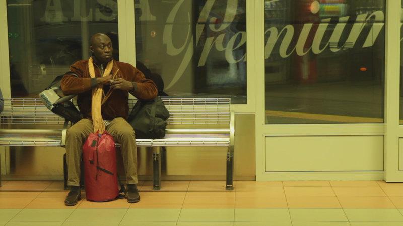Nach Jahren auf der Flucht endlich in Deutschland angekommen: Paul aus Kamerun. – Bild: ZDF und Juan Sarmiento G.