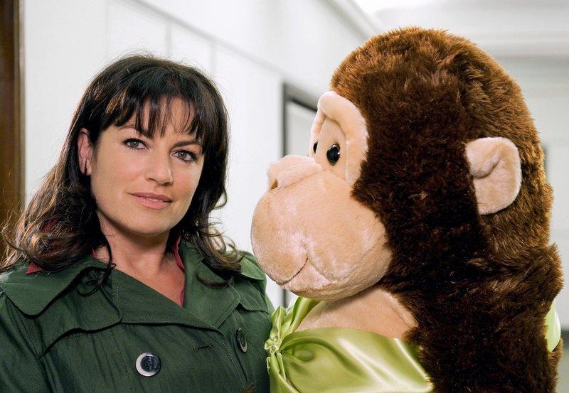 Will sich von ihrem Ex nicht zum Affen machen lassen: die werdende Mutter Lilly (Christine Neubauer). – Bild: SWR