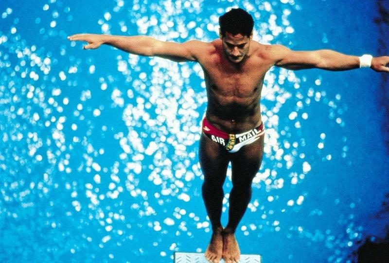 Bei den Olympischen Sommerspielen 1976 gewinnt Greg (Mario Lípez) eine Silbermedaille. – Bild: VOX