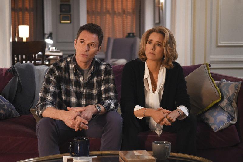 Henry McCord (Tim Daly, l.); Elizabeth McCord (Téa Leoni, r.) – Bild: © 2015 CBS Broadcasting, Inc. / Sarah Shatz / Sarah Shatz