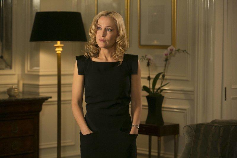 Hat der Alptraum nun endlich ein Ende für Meg Fitch (Gillian Anderson) und ihre Tochter? – Bild: 2013-2014 NBC Universal Media, LLC. All rights reserved. Lizenzbild frei