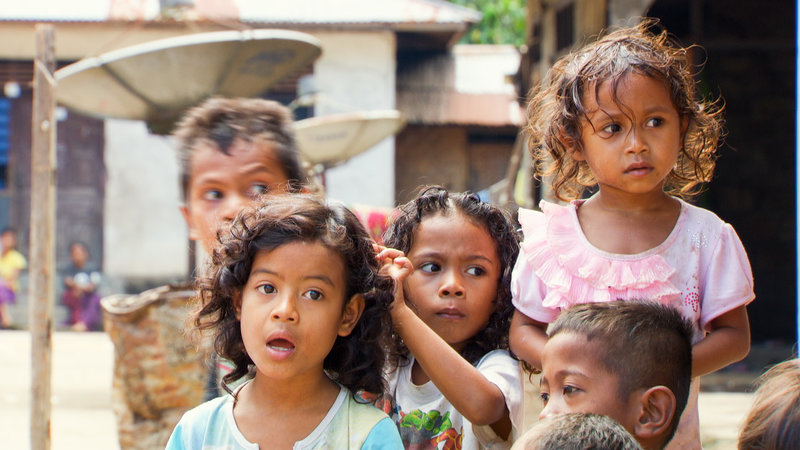 Kinder von Nangapanda auf der indonesischen Insel Flores. – Bild: arte