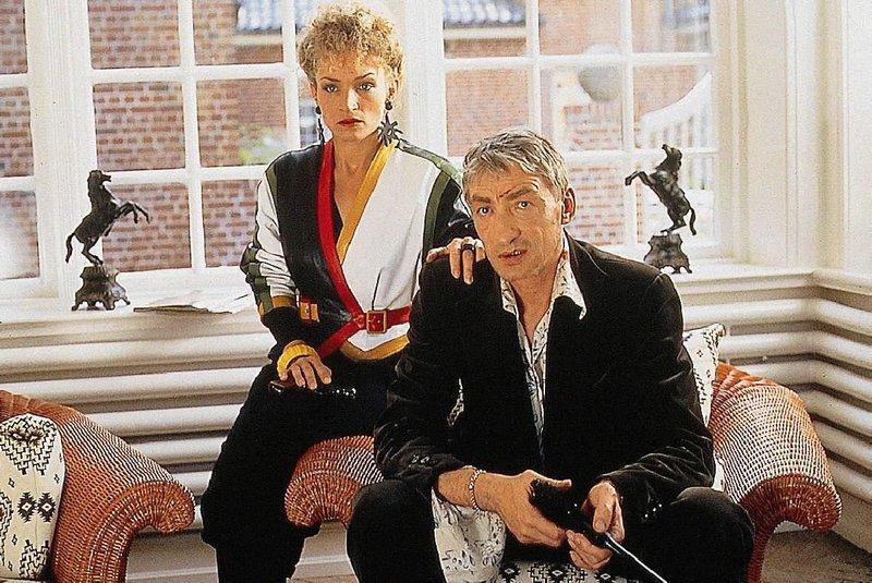 Harry Mucher, nach 16 Jahren aus dem Gefaengnis ausgebrochen, versucht zusammen mit Kirsten einen letzten Coup. – Bild: NDR