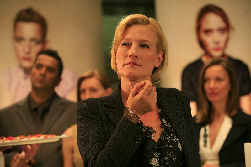 Esther Kaufmann ( Suzanne von Borsody) ist eine begabte Fotografin und hat Pech in der Liebe. – Bild: ZDF und Erika Hauri