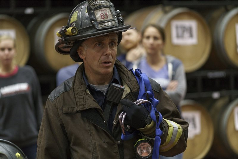 """-- """"Some Make It, Some Don't"""" Episode 509 -- Pictured: David Eigenberg as Christopher Hermann -- (Photo by: Parrish Lewis/NBC) – Bild: Universal TV"""