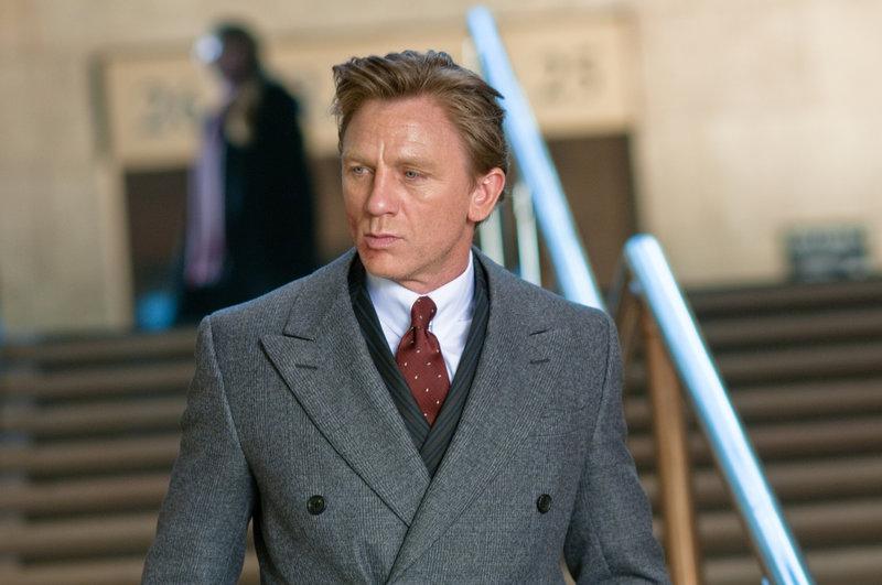 Nachdem Will Atenton (Daniel Craig) mit seiner Familie in ein neues Haus auf dem Land gezogen ist, passieren seltsame Dinge ... – Bild: Puls 8