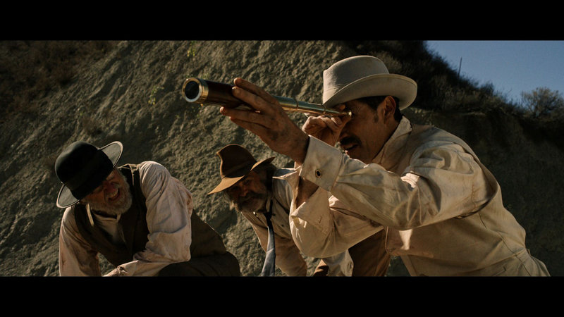 On left: Chicory (Richard Jenkins), in the middle Sheriff Franklin Hunt (Kurt Russell) and on right John Brooder (Matthew Fox). – Bild: Constantin Film Verleih GmbH.