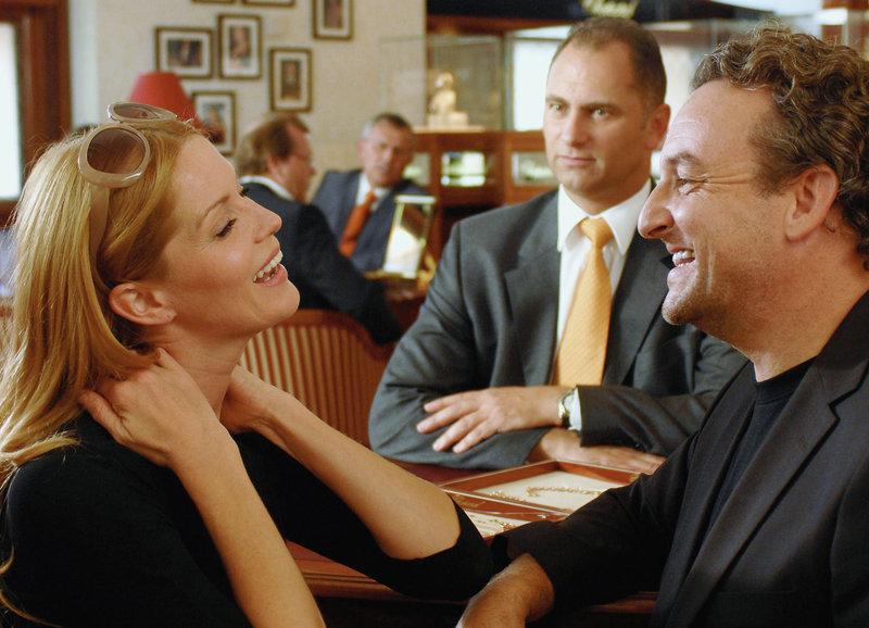 Da war die Ehe noch in Ordnung: Esther Schweins als Franzi, Marco Rima als Oliver – Bild: SF