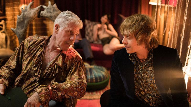 on the left Kidman (Ron Perlman) , on the right Jonny (Rupert Grint) – Bild: Film 1 Action