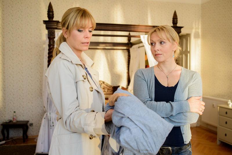 v.l.n.r.: Ina Zimmermann (Melanie Marschke), Michaela Böhmer (Dana Golombek) – Bild: ZDF und Uwe Frauendorf