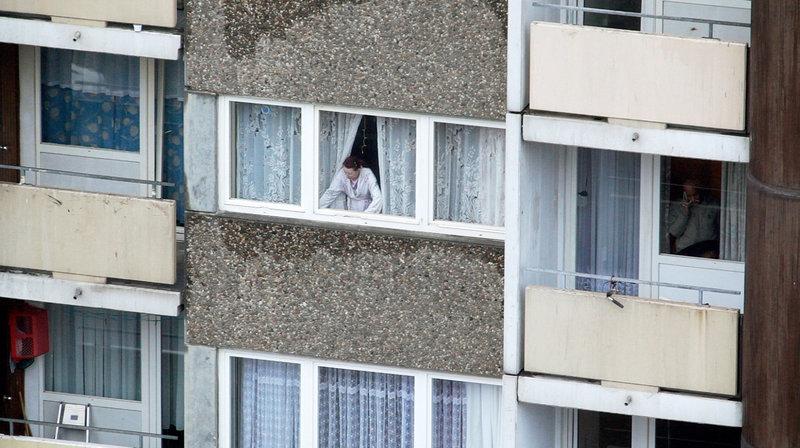 """""""Am Kölnberg"""" begleitet vier Menschen in einer Hochhaussiedlung am südlichen Ende von Köln. – Bild: ZDF und SWR"""