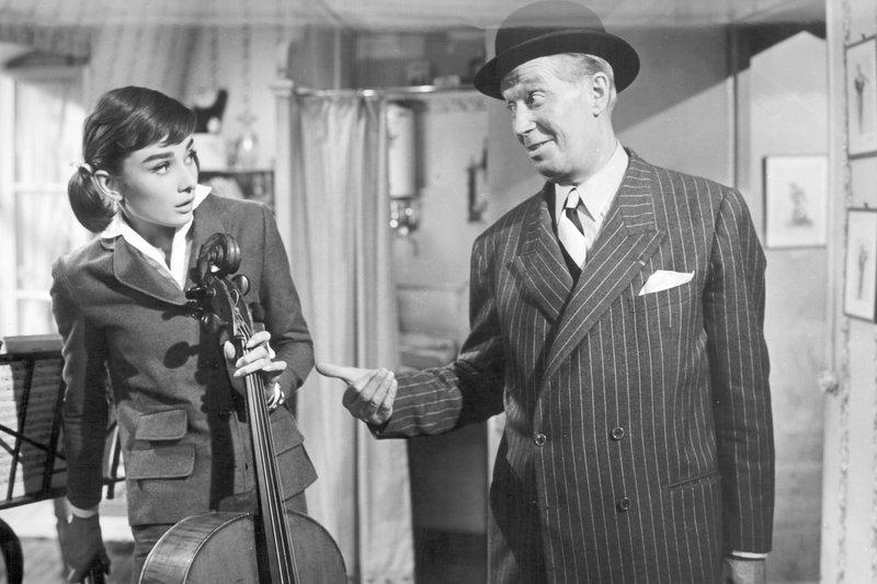 Audrey Hepburn, Maurice Chevalier – Bild: METRO GOLDWYN MAYER