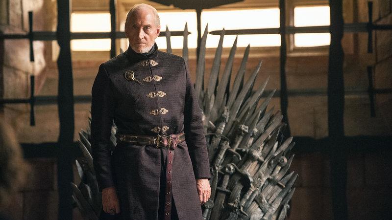 Die Verhandlung gegen Tyrion führt Tywin Lennister (Charles Dance).. – Bild: RTL II