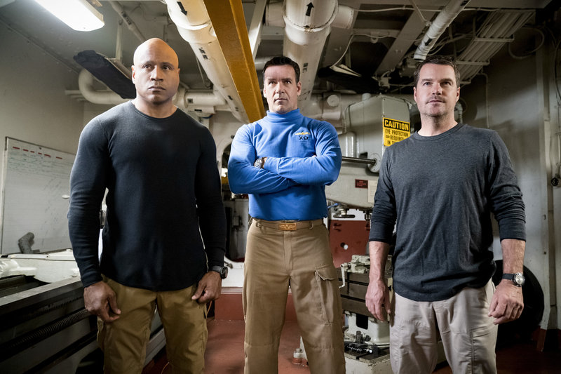 "LL COOL J (Special Agent Sam Hanna), David James Elliott (Navy Captain Harmon ""Harm"" Rabb, Jr.) and Chris O\'Donnell (Special Agent G. Callen). – Bild: 2019 CBS Broadcasting, Inc. All Rights Reserved"