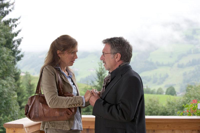 Susa Meyer (Eva Thalmann), Michele Oliveri (Bernd Bayer). – Bild: ORF III