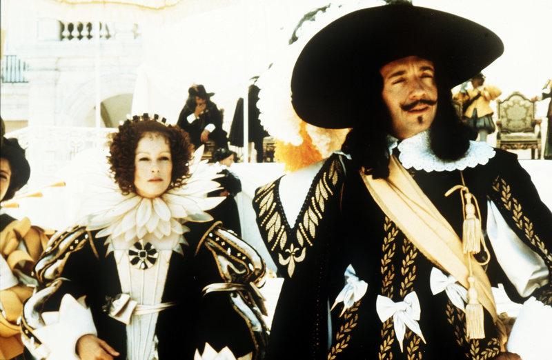 Die Ehe von Königin Anna (Geraldine Chaplin) und König Ludwig XIII. (Jean-Pierre Cassel) wird eigentlich nur noch der Staatsräson wegen zusammengehalten. – Bild: ORF