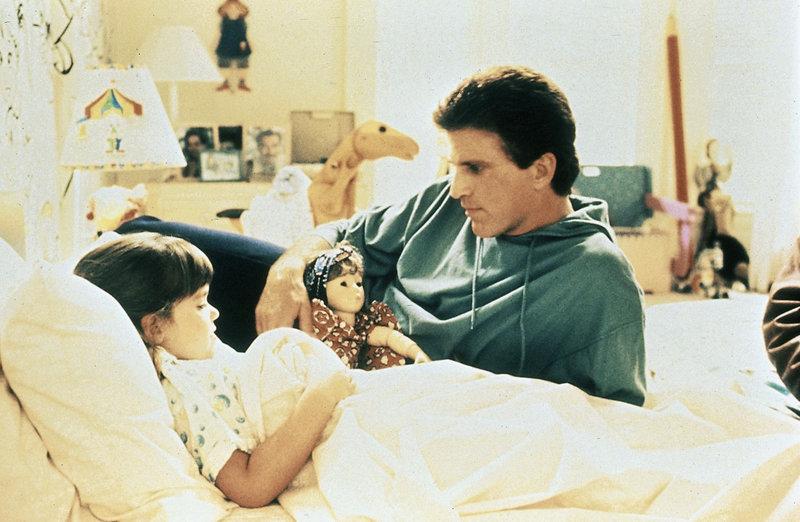 Nicht nur Marys (Robin Weisman) leiblicher Vater Jack (Ted Denson) ist immer für sie da. – Bild: ZDF und Kirch-Media
