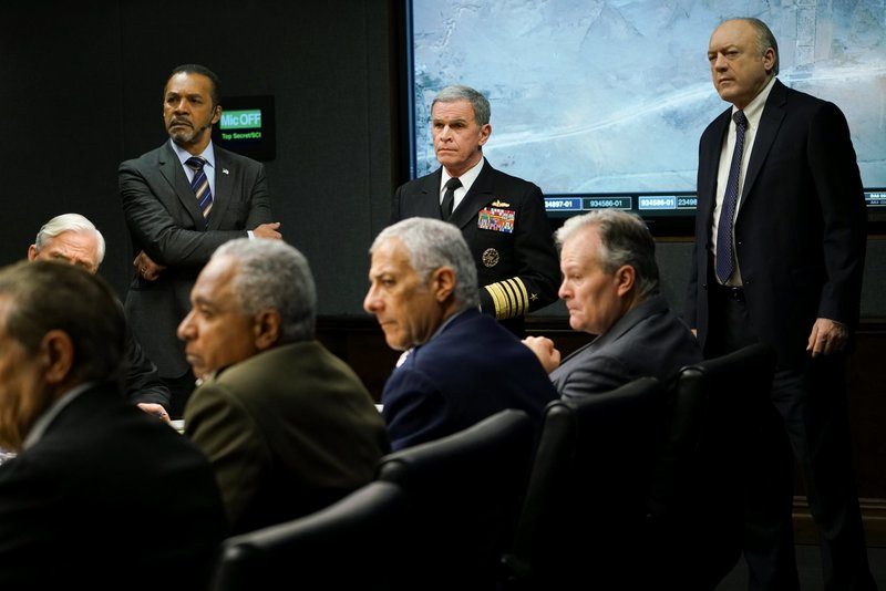L-R: Clifton Davis as Ephraim Ware, Tony Plana as Admiral Ed Parker, and John Doman as Dennis Ellerman – Bild: Sarah Shatz / Die Verwendung ist nur bei redak / CBS ENTERTAINMENT / © CBS Broadcasting Inc.