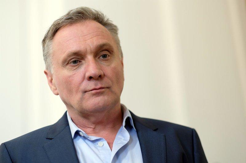 Hadrian Melzer (Bernhard Schir). – Bild: SWR Fernsehen