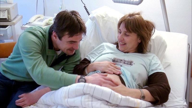 Die querschnittgelähmte Yvonne (39) und ihr Partner Matthias (34) erwarten ihr erstes Kind – Bild: RTL II