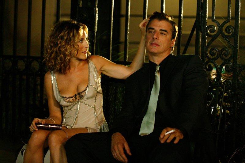 Carrie Bradshaw (Sarah Jessica Parker, l.); Mr. Big (Chris Noth, r.) – Bild: 2019 Home Box Office, Inc. All rights reserved. HBO / Craig Blankenhorn Lizenzbild frei