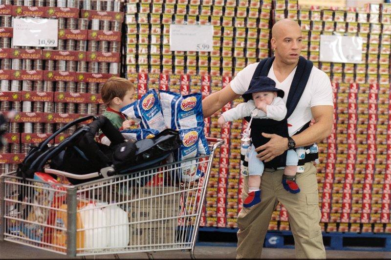 Elitesoldat Shane Wolfe (Vin Diesel) wird damit beauftragt, die Kinder des von Rebellen getöteten Professors zu schützen - dabei wird er mit Herausforderungen konfrontiert, die ihn an seine Grenze bringen... – Bild: VOX