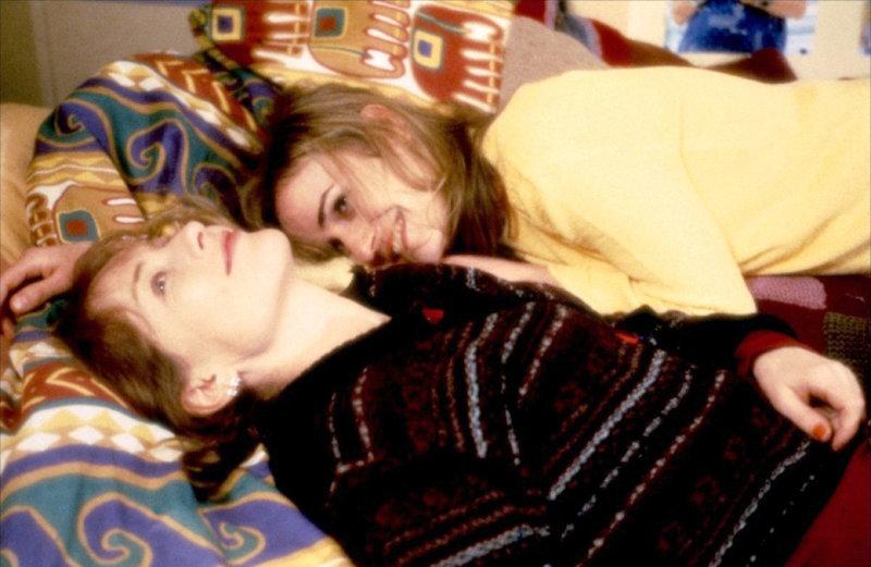 Isabelle Huppert (Jeanne), Sandrine Bonnaire (Sophie). – Bild: ORF