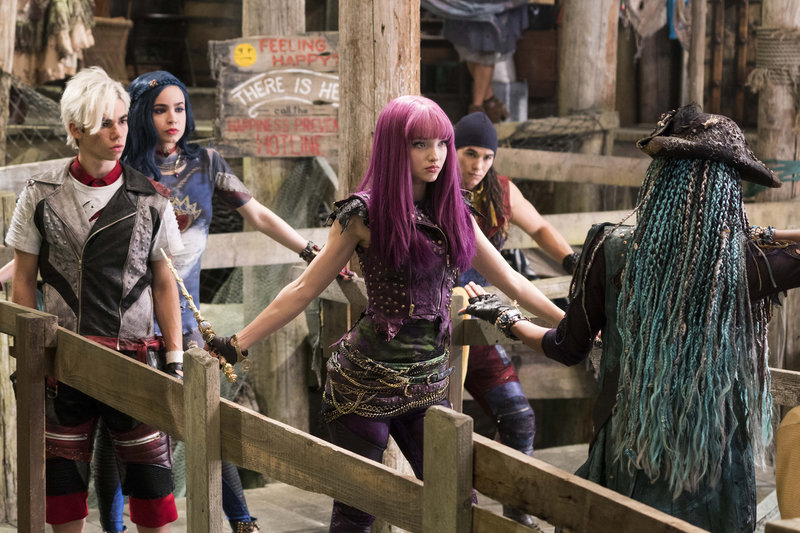 """DESCENDANTS 2 - """"Day 18"""" - A far-reaching, unprecedented and simultaneous premiere has been set for the Disney Channel Original Movie """"Descendants 2"""" across five networks within the Disney ABC Television Group, FRIDAY, JULY 21 (8:00 p.m. ET/PT), on Disney Channel, ABC, Disney XD, Freeform and Lifetime. (Disney Channel/David Bukach) CAMERON BOYCE, SOFIA CARSON, DOVE CAMERON, BOOBOO STEWART – Bild: David Bukach / Disney Channel / Disney Channel / © 2016 Disney Enterprises, Inc. All rights reserved."""