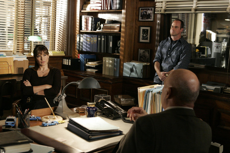 Pictured: (l-r) Christopher Meloni as Det. Elliot Stabler, Mariska Hargitay as Det. Olivia Benson – Bild: Universal Channel