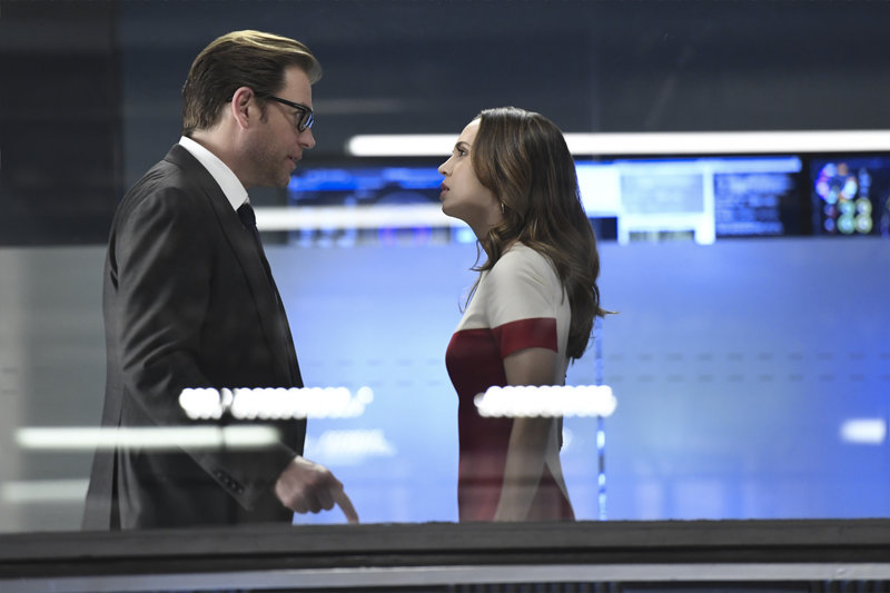 """Dirty Little Secrets""-- Bull works with J.P. Nunnelly (Eliza Dushku) on the first of three cases to repay her for defending Benny at trial. However, they clash over their client, a computer cloud company that is battling the F.B.I. to retain privacy over their client flies that could help identify the source of a recent eco-terrorist attack, on BULL, Tuesday, May 16 (9:00-10:00 PM, ET/PT) on the CBS Television Network. Pictured L-R: Michael Weatherly as Dr. Jason Bull and Eliza Dushku as J.P. Nunnelly Photo: Dave Russell/CBS Ã?©2017 CBS Broadcasting, Inc. All Rights Reserved – Bild: 13th Street"