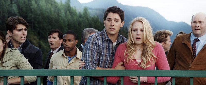 Miles Fisher, Emma Bell, Nicholas D'Agosto – Bild: 2011 Warner Bros
