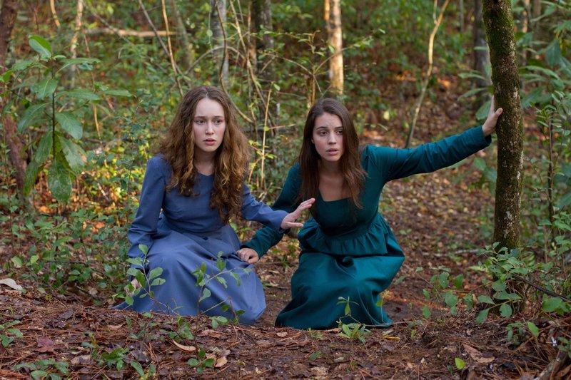 Mary (Alycia Debnam-Carey) und Ruth (Adelaide Kane,r.). – Bild: Tiberius