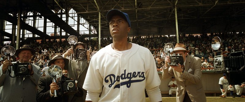Jackie Robinson (Chadwick Boseman) – Bild: 2013 Warner Bros. Lizenzbild frei