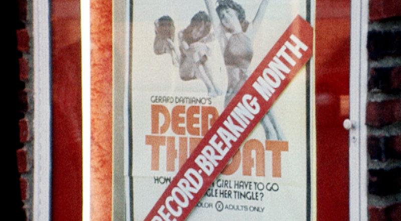 """Das Filmplakat von """"Deep Throat"""" mit Verweis auf die Rekordumsätze an den Kinokassen. – Bild: ORF"""