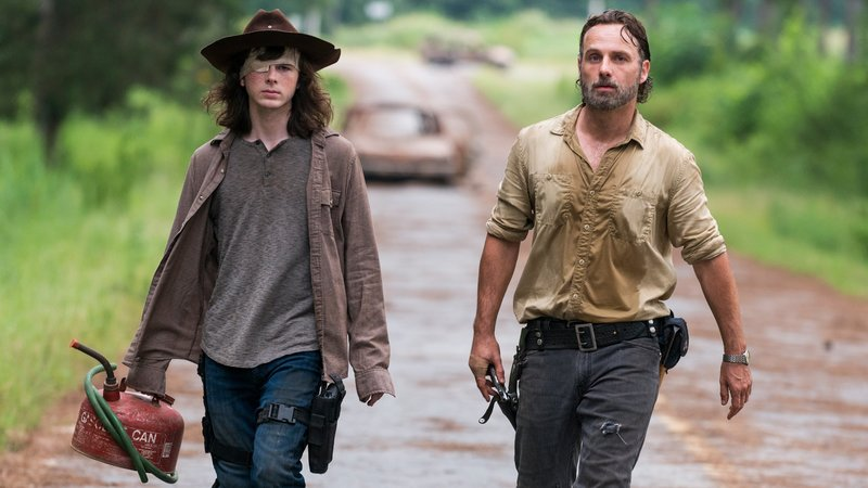 Andrew Lincoln as Rick Grimes, Chandler Riggs as Carl Grimes Photo Credit: Gene Page/AMCAndrew Lincoln as Rick Grimes, Chandler Riggs as Carl Grimes Photo Credit: Gene Page/AMC – Bild: RTL Zwei