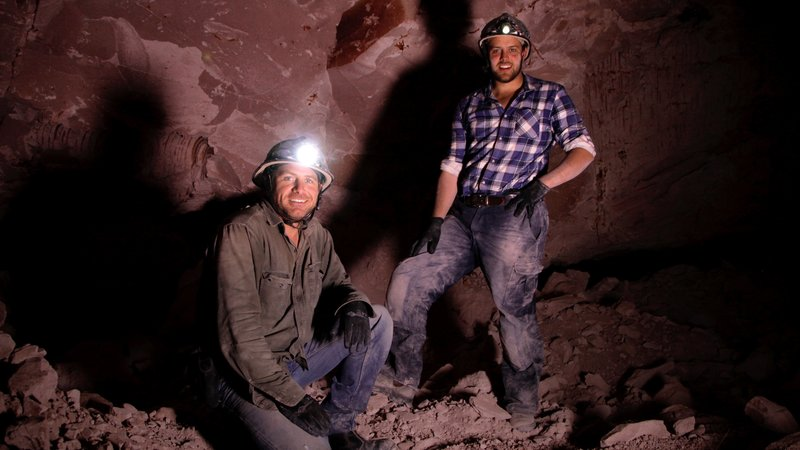Justin Lang and Dan Becker mining underground, Coober Pedy, SA. – Bild: Prospero Productions. / Prospero Productions. / Prospero Productions.