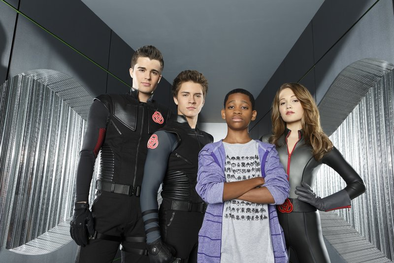 "LAB RATS - Disney XD's ""Lab Rats"" stars Spencer Boldman as Adam, Billy Unger as Chase, Tyrel Jackson Williams as Leo and Kelli Berglund as Bree. (DISNEY XD/BOB D'AMICO) – Bild: Bob D'Amico / © 2012 Disney Enterprises, Inc. All rights reserved."