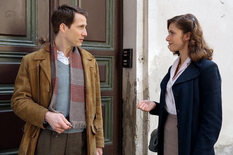 David Rott (Max Goldberg (Kapellmeister)), Miriam Stein (Elsa Brandl). – Bild: 3sat