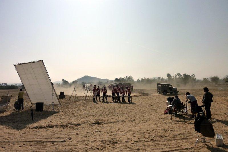 Indische Soldaten bei den Dreharbeiten in Rajasthan. – Bild: ZDFinfo