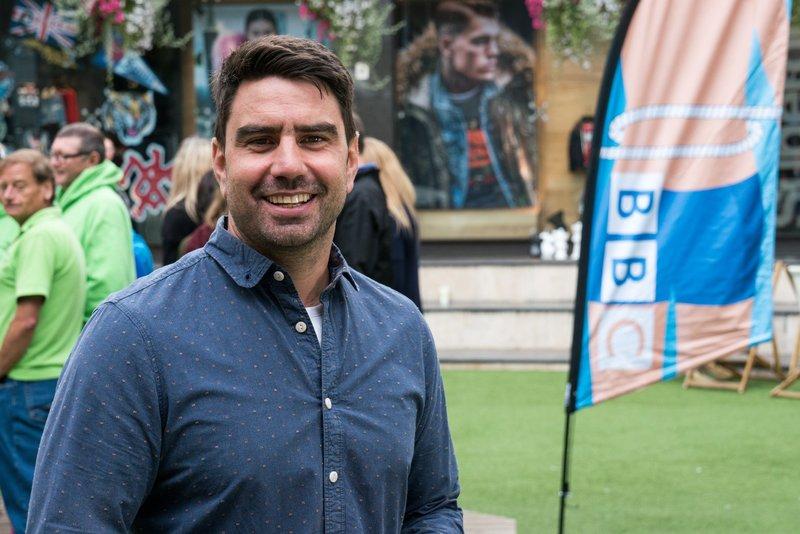 Chris Bavin – Bild: BBC / Geo Television