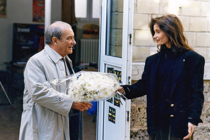 Odile (Evelyne Bouix) und der Schuldirektor (Jean Carmet) – Bild: arte