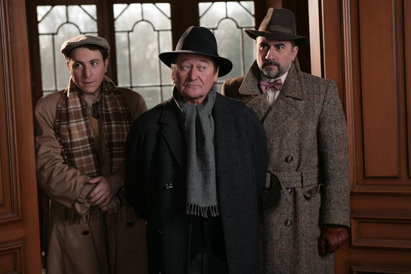 (v.l.n.r.) Emile Lampion (Marius Colucci); Aristide Pépin (Frédéric Bodson); Kommissar Larosière (Antoine Duléry) – Bild: Sat.1 Emotions