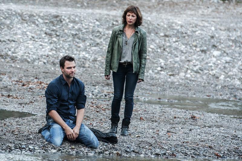 SOKO Kitzbühel - Folge 190 Erlösung Jakob Seeböck als Lukas Roither, Julia Cencig als Nina Pokorny SRF/ORF/Stefanie Leo – Bild: SRF2