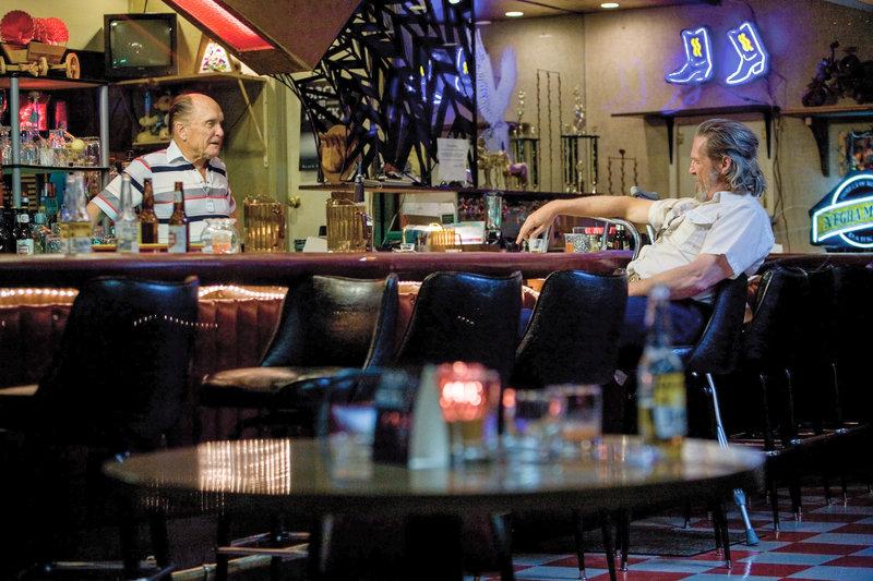 Robert Duvall (Wayne Kramer), Jeff Bridges (Bad Blake). – Bild: ORF