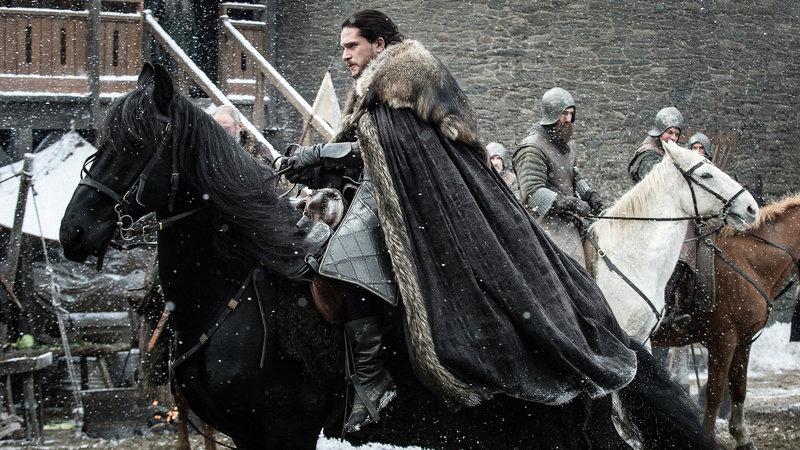 Jon Snow (Kit Harington) macht sich auf den Weg nach Drachenstein, wohin ihn Daenerys eingeladen hat.. – Bild: RTL II