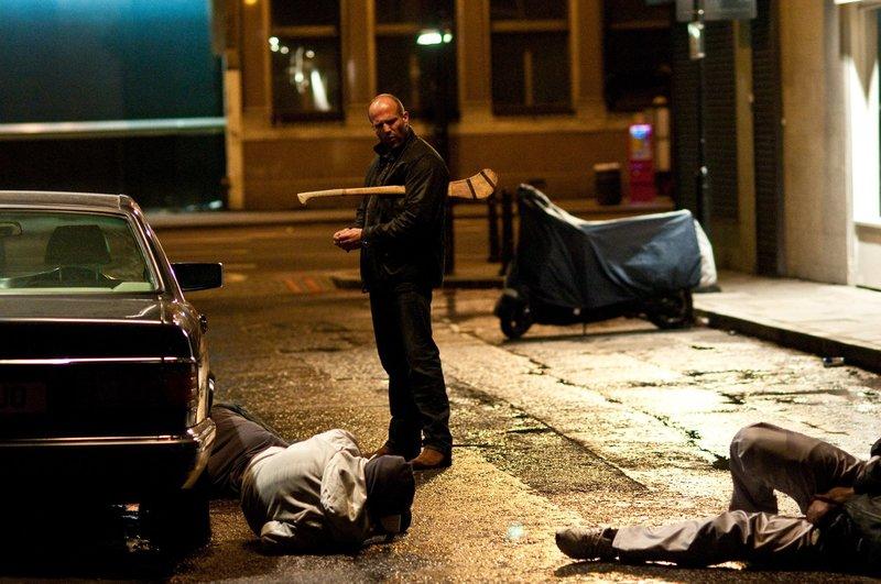 Zeigt jedem Spitzbuben, was eine Harke ist: der toughe Cop Brant (Jason Statham) ... – Bild: ATV
