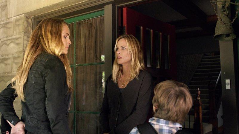 On left: Rebecca (Teresa Palmer), in the middle Sophie (Maria Bello) and on right Martin (Gabriel Bateman). – Bild: Warner Bros. Entertainment Inc. Lizenzbild frei