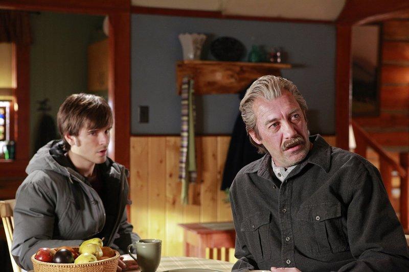 (v.l.n.r.) Ty Borden (Graham Wardle); Jack Bartlett (Shaun Johnston) – Bild: Rescued Horse Season Six Inc. Lizenzbild frei