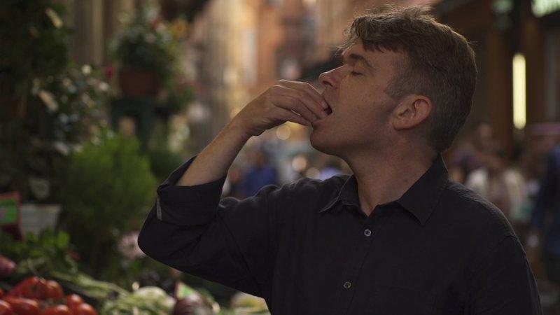 Der britische Historiker John Dickie begibt sich auf eine kulinarische Reise durch die Geschichte Italiens. – Bild: Spiegel Geschichte